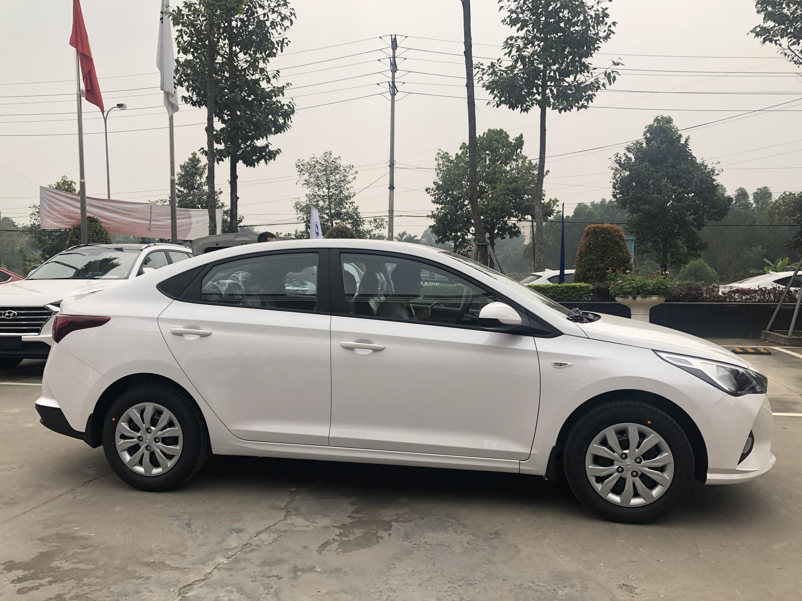 Hyundai Accent 1.4MT Base